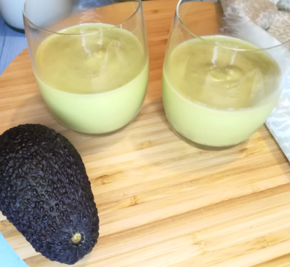 Smoothie avocat lait de coco